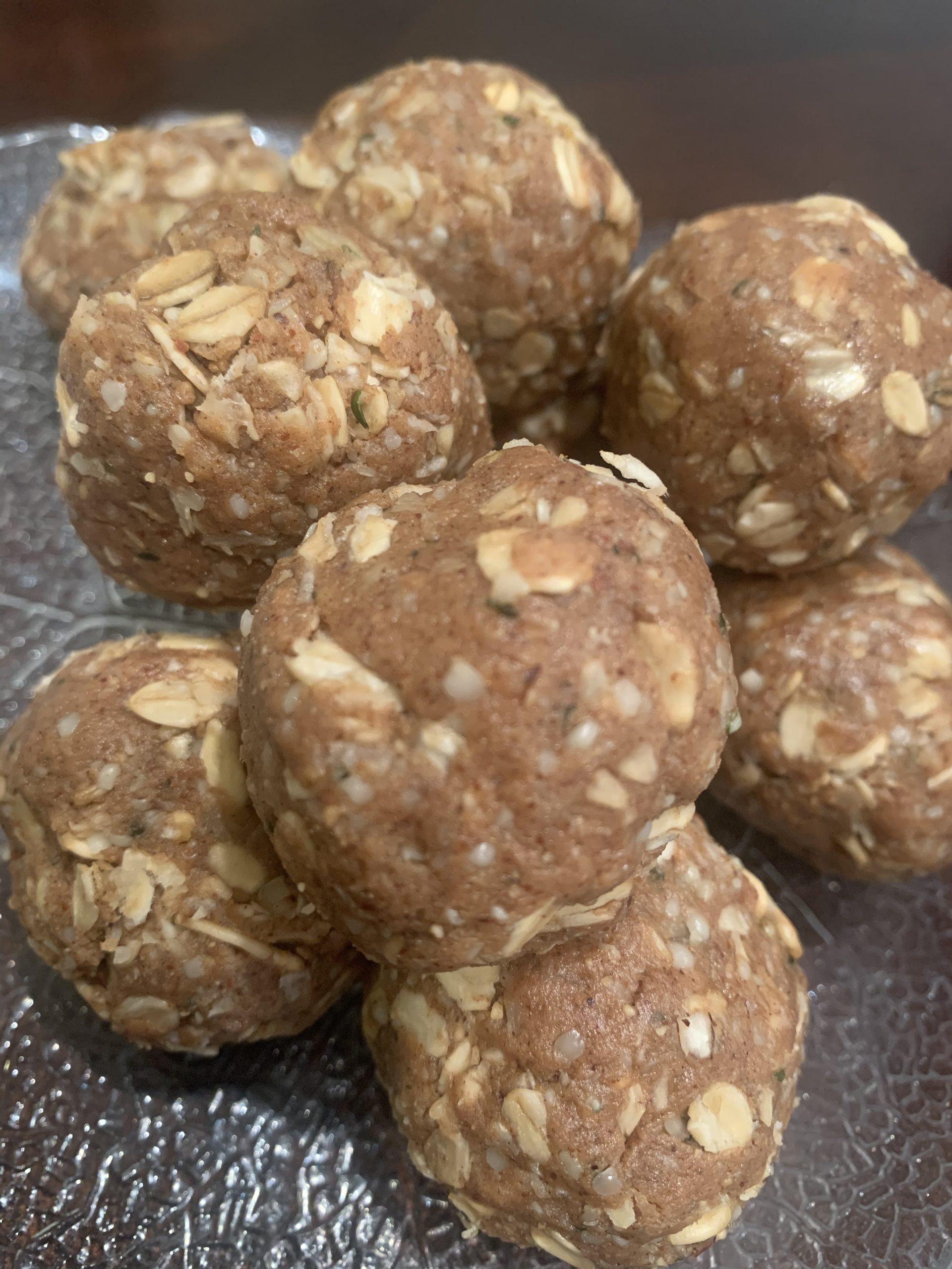 Pumpkin almond spice protein bites